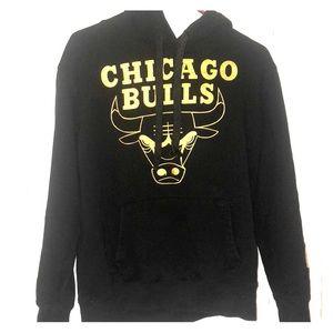 Tops - Black & gold bulls hoodie
